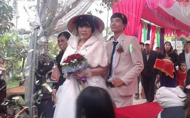 Đám cưới hạnh phúc của cặp đôi chồng kém vợ 2 giáp sau hơn 3 năm hẹn hò
