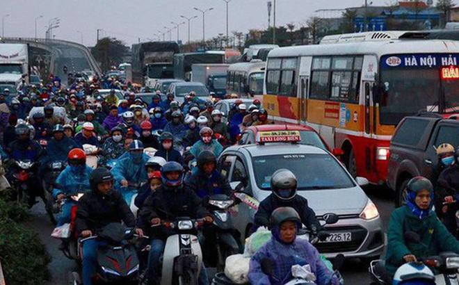 Hà Nội: Người dân tiếp tục về quê nghỉ Tết Dương lịch, đường cao tốc quốc lộ 5 ùn tắc kéo dài hàng km