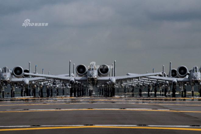Màn biểu dương lực lượng của A-10 khiến T-14 Armata khiếp vía - Ảnh 2.