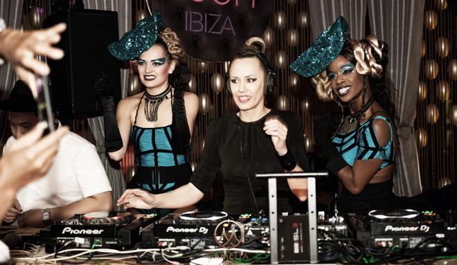 Nữ thần DJ Ibiza - Sarah Main diễn máu lửa ở HN - Ảnh 2.