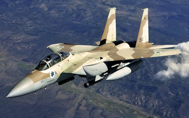 Vì sao tên lửa S-200 của Syria không thể làm xước sơn tiêm kích Israel? - Ảnh 2.