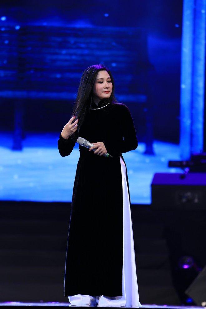 MC Thảo Vân làm ca sĩ, hát bolero ngọt ngào gây bất ngờ lớn - Ảnh 5.
