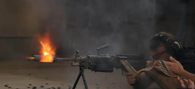 Bắn liên tiếp 700 phát bằng súng máy M249 SAW thì ống giảm thanh có sống sót được không? - Ảnh 2.