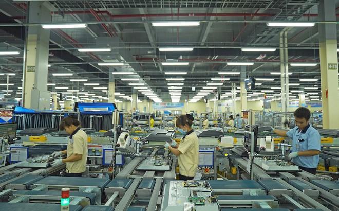 """Vì sao Samsung """"dính"""" cáo buộc đối xử tệ bạc với người lao động Việt?"""