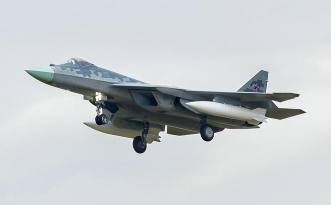 Rò rỉ hình ảnh mới nhất của tiêm kích tàng hình Su-57: Có gì khác lạ?