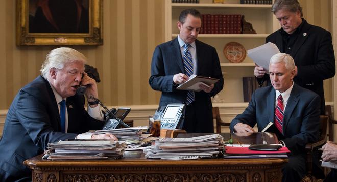 Chuyện ly kỳ về 100 ngày đầu tiên tại nhiệm sở của Tổng thống Mỹ Donald Trump - Ảnh 1.