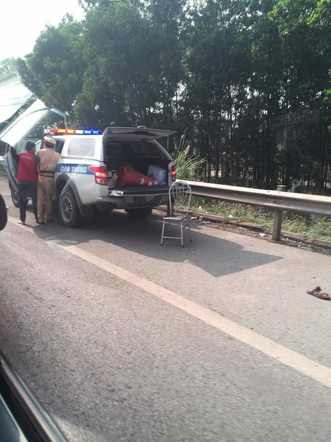 Xác định danh tính tài xế xe máy đâm CSGT tử vong trên cao tốc - Ảnh 2.