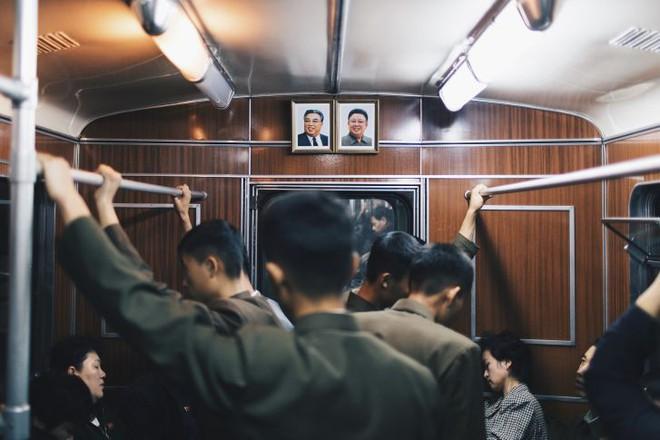 Người Hong Kong kể trải nghiệm thú vị khi đi tàu điện ngầm ở Triều Tiên - Ảnh 3.
