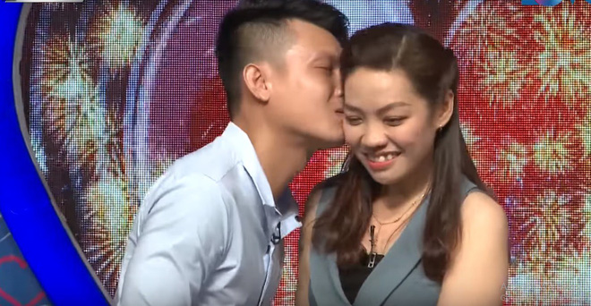 Bạn muốn hẹn hò: Cô gái nhận nụ hôn đầu từ chàng trai bị người yêu bỏ vì một bức ảnh - Ảnh 7.