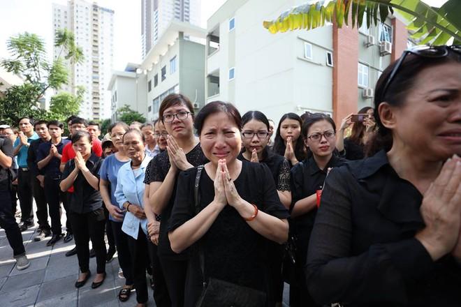Hơn 1000 học sinh hát vang bài ca Lương Thế Vinh vĩnh biệt thầy Văn Như Cương - Ảnh 6.