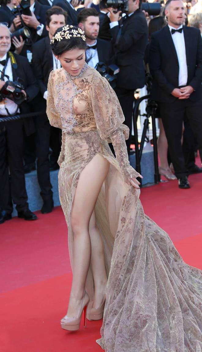 Ngọc Thanh Tâm mặc gợi cảm, đọ sắc cùng dàn sao Hollywood tại Cannes 2017 - Ảnh 3.