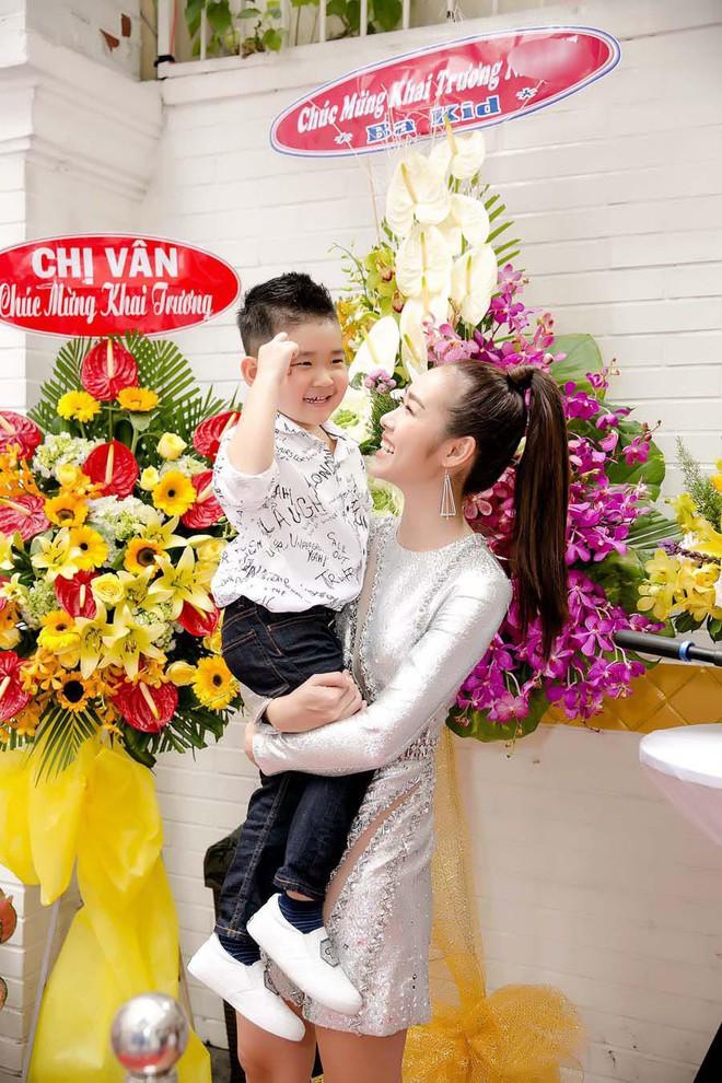 Chồng cũ âm thầm gửi hoa đến chúc mừng Diệp Bảo Ngọc - Ảnh 4.