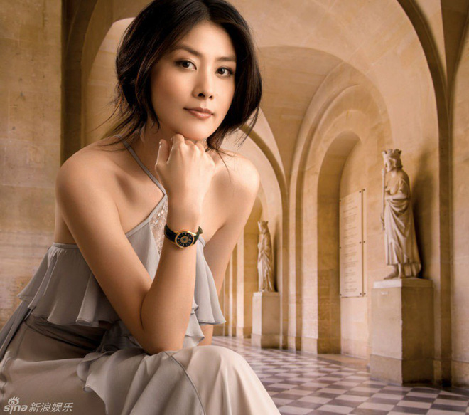 Gia thế khủng của Hoa hậu Hong Kong khiến trùm xã hội đen khét tiếng cũng phải kính nể - Ảnh 1.