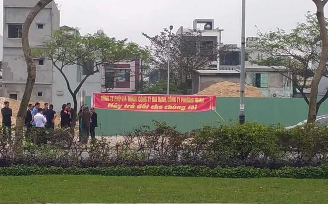 Người mua đất ở Đà Nẵng bức xúc, tố chủ đầu tư xây nhà trên đất đã bán