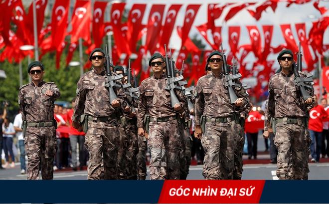 """Thổ Nhĩ Kỳ phát động chiến tranh ở Syria: Có phải """"một phát súng trúng ba mục tiêu""""?"""