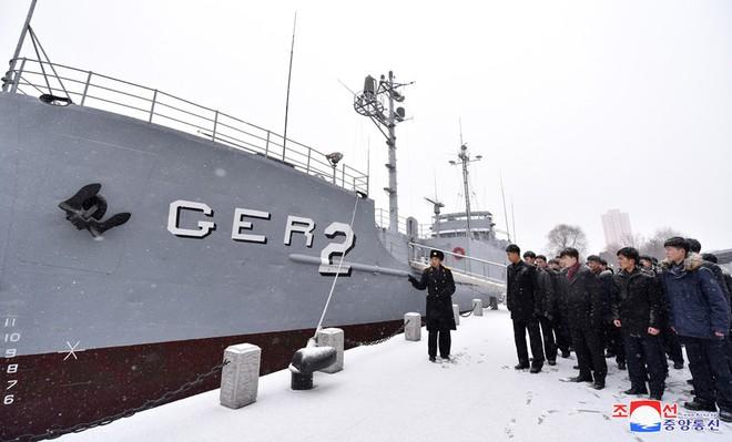Bên trong chiến hạm Mỹ bị Triều Tiên bắt giữ - Ảnh 3.