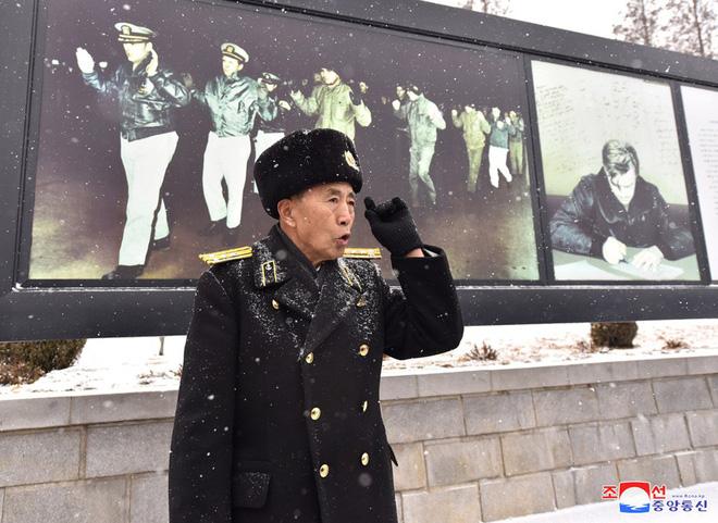 Bên trong chiến hạm Mỹ bị Triều Tiên bắt giữ - Ảnh 4.