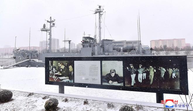 Bên trong chiến hạm Mỹ bị Triều Tiên bắt giữ - Ảnh 5.