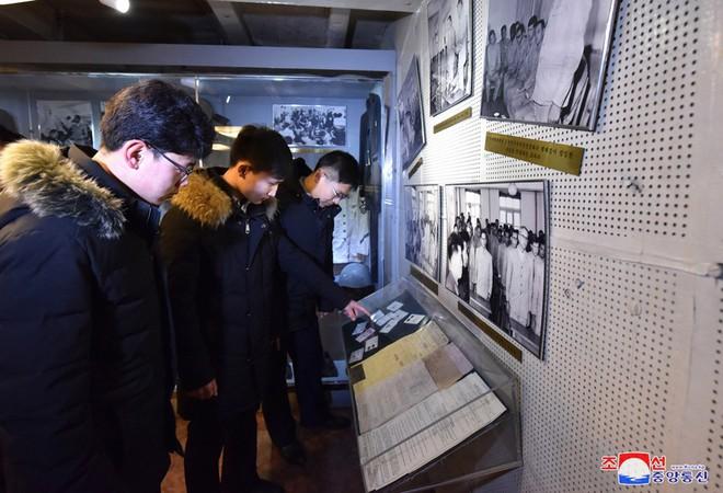 Bên trong chiến hạm Mỹ bị Triều Tiên bắt giữ - Ảnh 10.