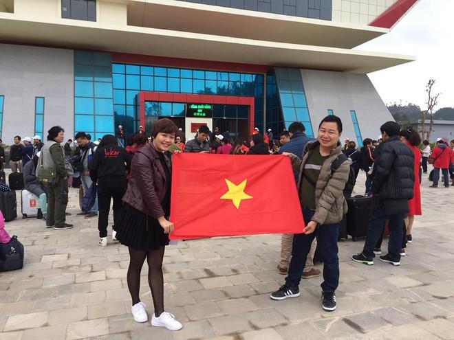 Nhật ký đi Trung Quốc cổ vũ U23 Việt Nam: Xe đang bò trên tuyết để đến sân kịp giờ - Ảnh 1.