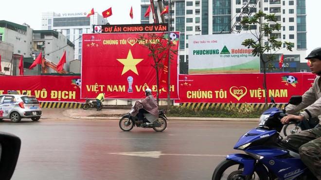 Mạng xã hội bắt đầu chia sẻ tràn ngập hình ảnh không khí cổ vũ U23 Việt Nam trước trận chung kết lịch sử - Ảnh 6.