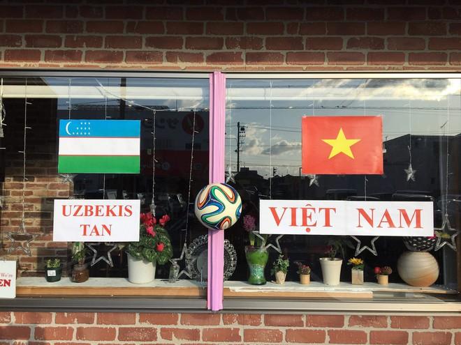 Nhìn lại khoảnh khắc người Việt khắp thế giới dõi theo trận cầu lịch sử của U23 Việt Nam - Ảnh 3.