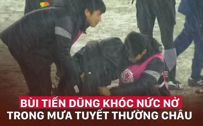 Đồng đội ôm Bùi Tiến Dũng nức nở trên sân, cổ động viên nước mắt lưng tròng