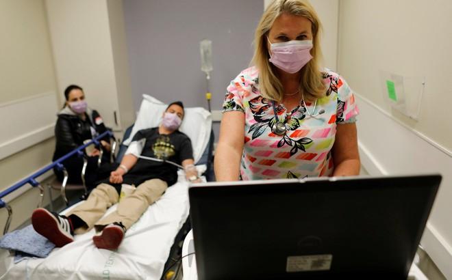 """Dịch cúm dữ dội nhất trong vòng 10 năm, nước Mỹ """"không biết bao nhiêu trẻ nữa sẽ chết""""!"""