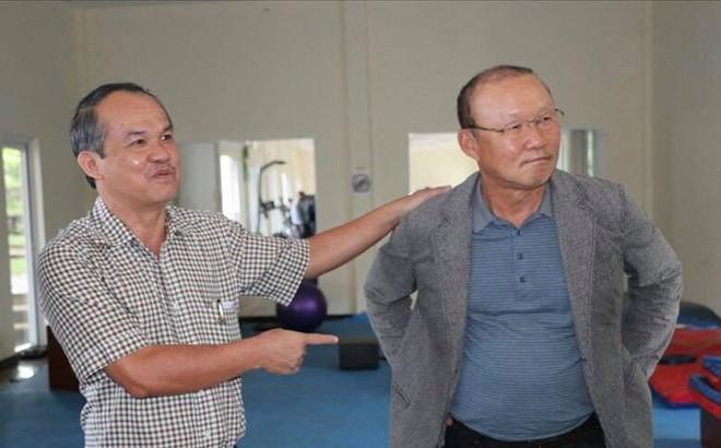 Tuyên bố trả lương cho HLV Park Hang-seo, bầu Đức sẽ phải chi bao nhiêu?