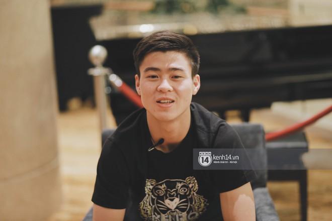 Hot boy Duy Mạnh U23: Trong đội chỉ có mình với Hồng Duy bán hàng online, nhưng thật ra là... đăng hộ bạn gái đấy! - Ảnh 3.
