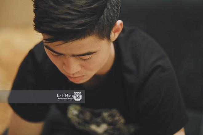 Hot boy Duy Mạnh U23: Trong đội chỉ có mình với Hồng Duy bán hàng online, nhưng thật ra là... đăng hộ bạn gái đấy! - Ảnh 4.