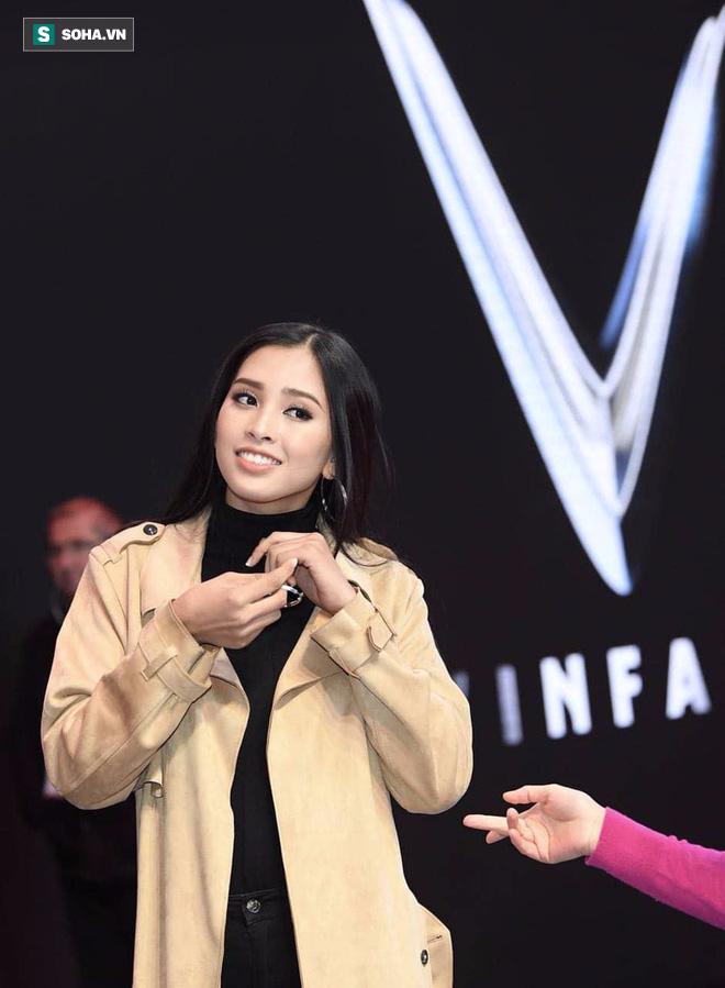 Hé lộ hình ảnh đầu tiên của Hoa hậu Tiểu Vy trong buổi tập duyệt lễ ra mắt xe VINFAST tại Pháp - Ảnh 1.