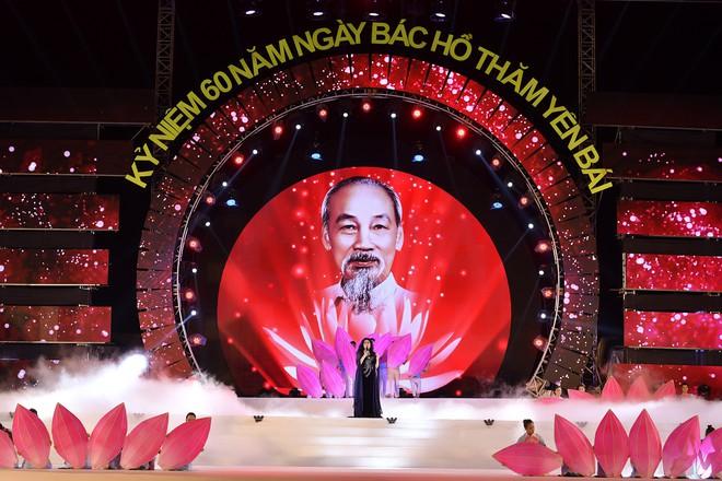 Tùng Dương, Thanh Lam gây xúc động trong đêm nhạc về Bác - Ảnh 6.
