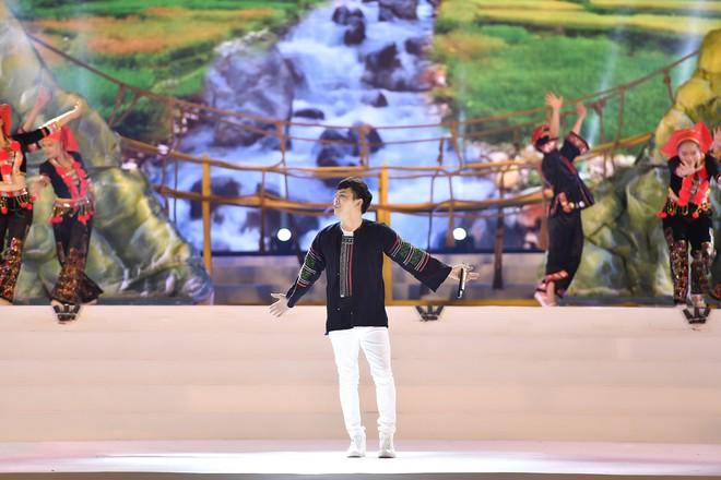Tùng Dương, Thanh Lam gây xúc động trong đêm nhạc về Bác - Ảnh 7.