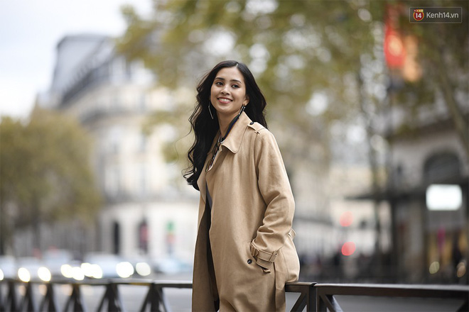 Hoa hậu Tiểu Vy mặt mộc dạo phố Paris, khoe vẻ đẹp đầy sức sống của tuổi 18 - Ảnh 2.