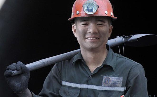 """Hà Đức Chinh """"cạn lời"""" với bộ ảnh chế nghề nghiệp của cầu thủ U23 Việt Nam"""