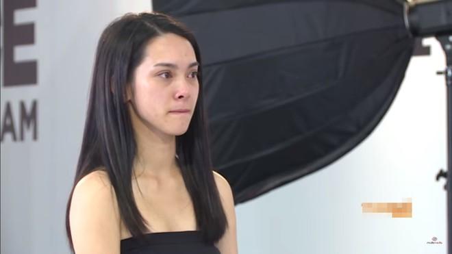 The Face Việt: Võ Hoàng Yến và Minh Hằng liên tục bốp chát nhau trên sóng truyền hình - Ảnh 2.