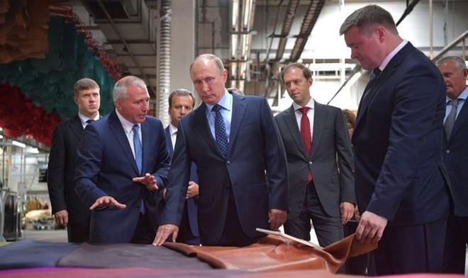 """Lý do Mỹ-phương Tây không thể """"quật ngã"""" Gấu Nga - Ảnh 4."""