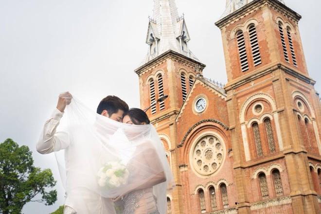 Ảnh cưới sexy giữa phố của Sĩ Thanh bị ném đá là thiếu tôn trọng bản thân - Ảnh 3.
