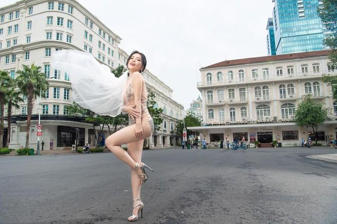 Ảnh cưới sexy giữa phố của Sĩ Thanh bị ném đá là thiếu tôn trọng bản thân - Ảnh 1.