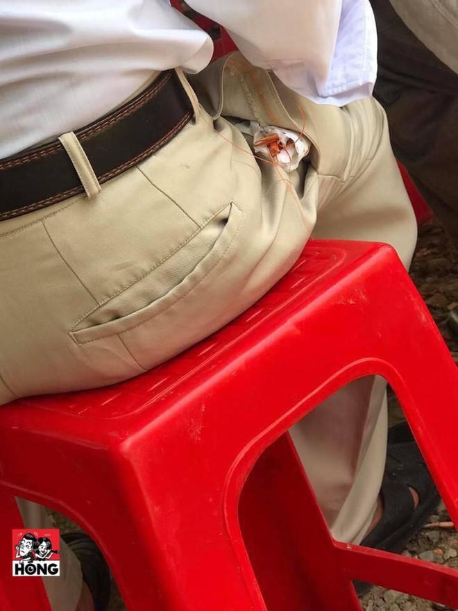 Người đàn ông đi ăn cỗ rồi bọc con tôm để trong túi quần, hình ảnh tạo nhiều suy đoán - Ảnh 1.