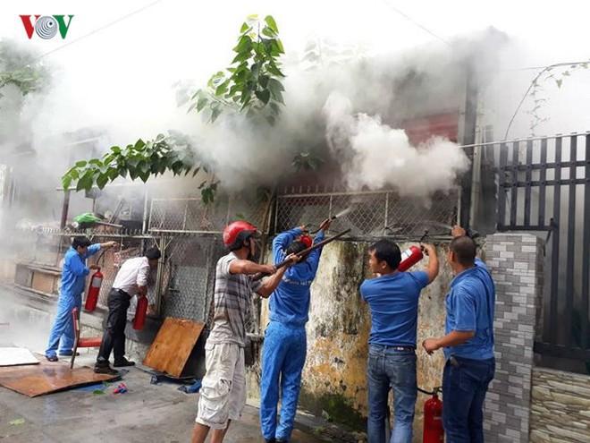 Lửa thiêu quán cà phê, bà hỏa ghé thăm chung cư ở Đà Nẵng - Ảnh 3.