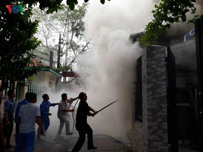 Lửa thiêu quán cà phê, bà hỏa ghé thăm chung cư ở Đà Nẵng - Ảnh 4.