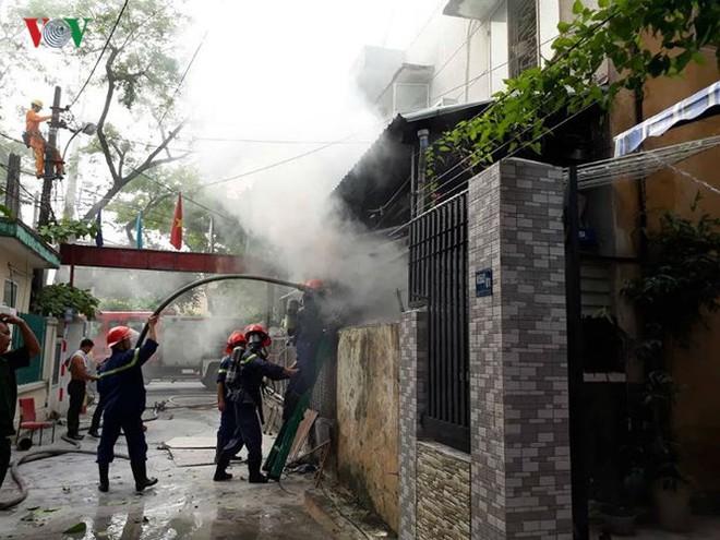 Lửa thiêu quán cà phê, bà hỏa ghé thăm chung cư ở Đà Nẵng - Ảnh 5.