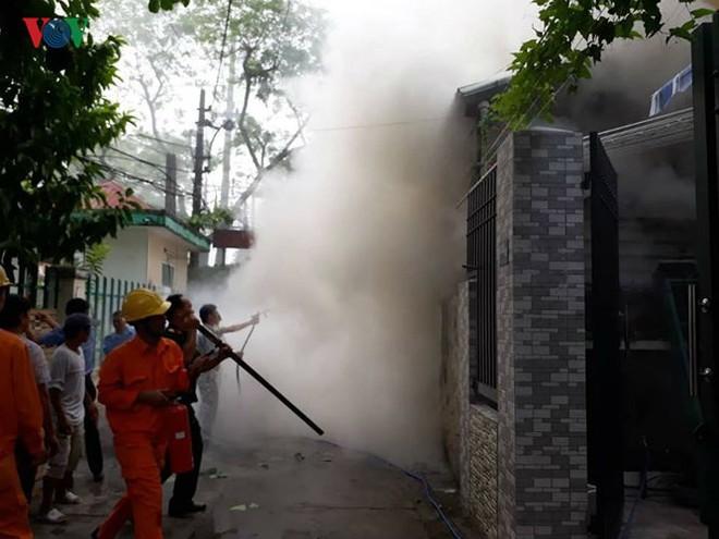 Lửa thiêu quán cà phê, bà hỏa ghé thăm chung cư ở Đà Nẵng - Ảnh 6.