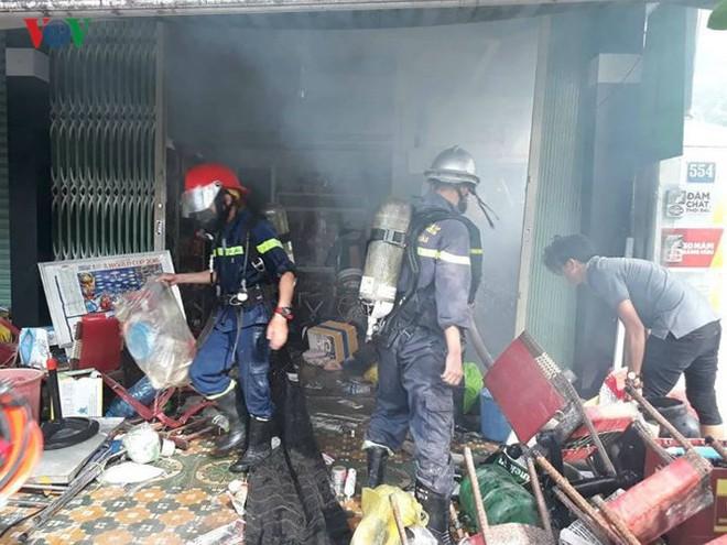 Lửa thiêu quán cà phê, bà hỏa ghé thăm chung cư ở Đà Nẵng - Ảnh 10.