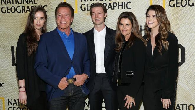 Siêu sao hành động Arnold Schwarzenegger: Sự nghiệp lừng lẫy hoen ố vì bê bối tình dục - Ảnh 7.