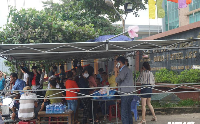 Dân tiếp tục bao vây nhà máy thép ở Đà Nẵng