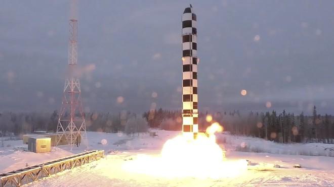 Siêu tên lửa hạt nhân Nga mất tích trong cuộc tập trận rầm rộ: Ông Putin lo sợ điều gì? - Ảnh 1.