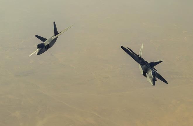 Nếu S-300 Nga đại khai sát giới ở Syria, chỉ 1 chiếc F-22 Mỹ bị hạ sẽ là thảm họa? - Ảnh 4.